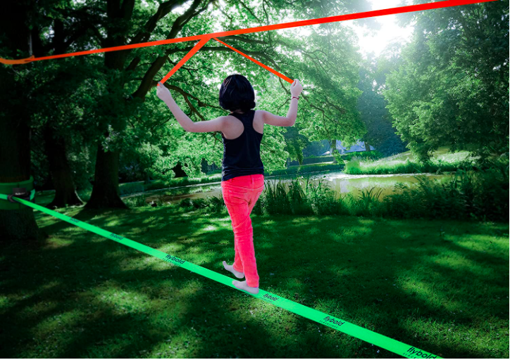 The flybold Slackline Kit is one of the best slacklines for kids